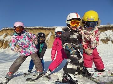 Группа Катающиеся Пингвинята - следующий этап обучения горным лыжам.