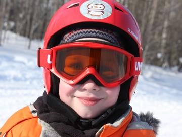 Нужен ли ребёнку шлем. Для чего.
