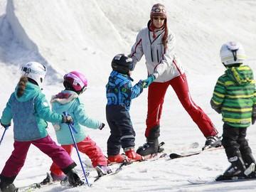 Тренер-преподаватель и координатор программ - зимние (горные лыжи) -летние (общая физическая подготовка на Обском море)